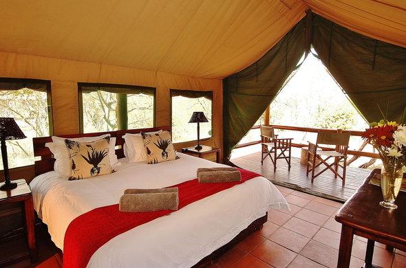 sausage-tree-safari-camp-tent-interior-590x390